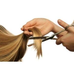 la coiffure domicile c 39 est pratique brushing cheveux maison coupe cheveux maisonles cheveux. Black Bedroom Furniture Sets. Home Design Ideas